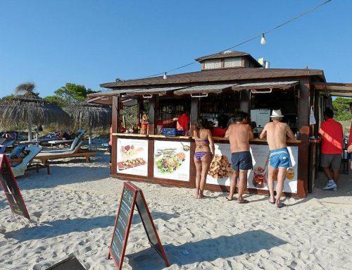 Xiringuito a la platja de Garbí necessita personal